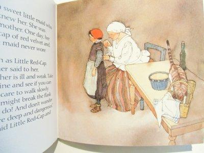 画像2: リスベート・ツヴェルガー Lisbeth Zwerger:絵 グリム兄弟 Brothers Grimm:著 / 赤ずきんちゃん LITTLE RED-CAP